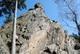 Trzy Siostry to największa grupa skalna w Górach Bialskich. Dojście wzdłuż niebieskiego szlaku pieszego ze Starego Gierałtowa, a następnie leśną ścieżką rozpoczynającą się przy tablicy informacyjnej o skałach. fot. Anna Ciesłowska