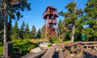 Wieża widokowa na Czarnej Górze (1205 m n.p.m.) w Masywie Śnieżnika.