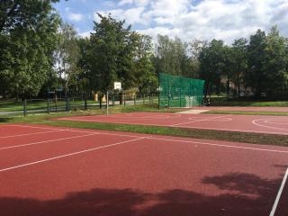 Galeria II fotorelacja z budowy boisk przy Szkole Podstawowej w Stroniu Śląskim